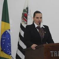 Vereadora Roberta Barsotti atenta para necessidade de lombadas na Estrada Boa Vista