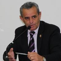 Zé Machado solicita manutenção de vias no Tanque