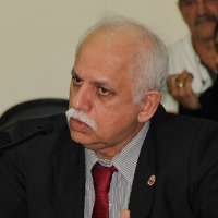 Dr. Ubiratan solicita instalação de cerca na curva do Lago do Major